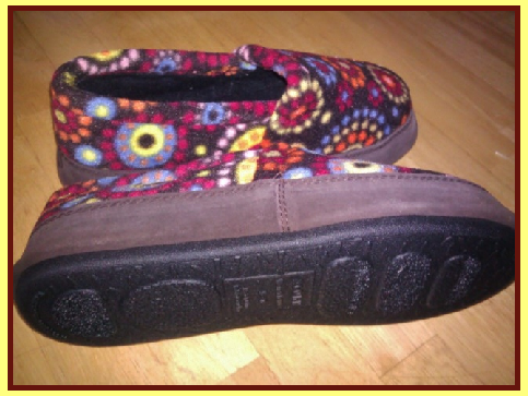 Soft & Comfy Slippers made by Acorn from Plow & Hearth !  Product Review Cafe 4
