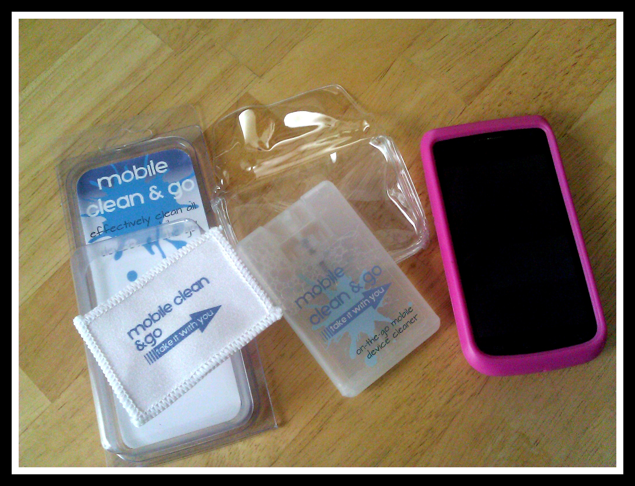 Bye Bye Finger Prints - Mobile Clean & Go Product Review  Product Review Cafe 2