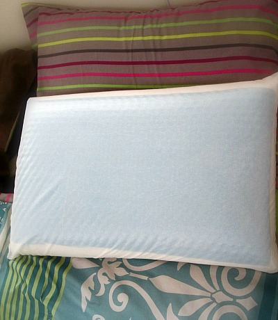 Keep Cool With Comfort Revolution Hydraluxe Cooling Gel Bed Pillow