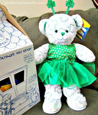 Build A Bear Workshop Shimmerin' Shamrocks Bear   Product Review Cafe 1