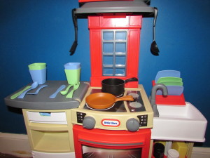 Little Tikes Cook N Store Kitchen