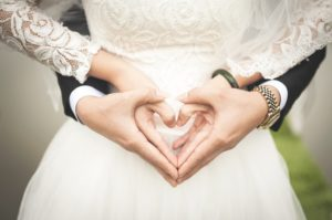 Formal Or Informal? Help Deciding On What Food To Serve At Your Wedding