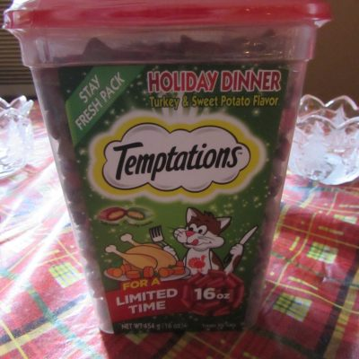 Temptations Holiday Dinner Cat Treats