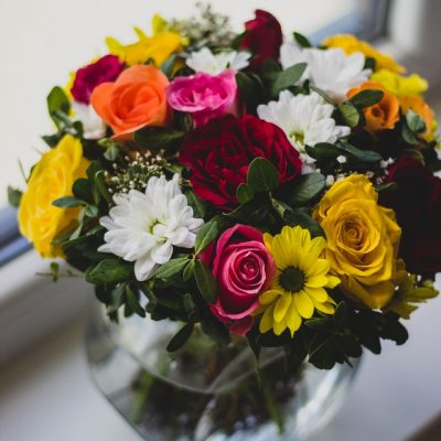 Best Flower Arrangements to Profess Your Love for Your Partner