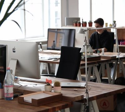 5 Benefits of Wooden Office Furniture
