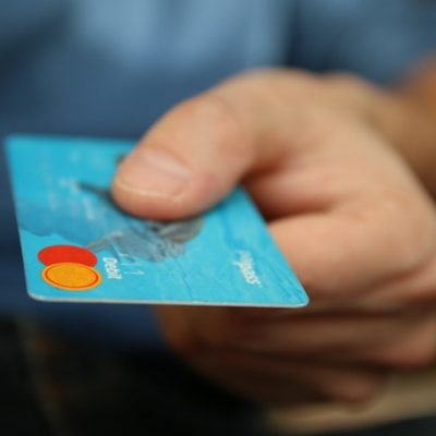 5 Reasons Every Small Business Should Accept Debit Cards