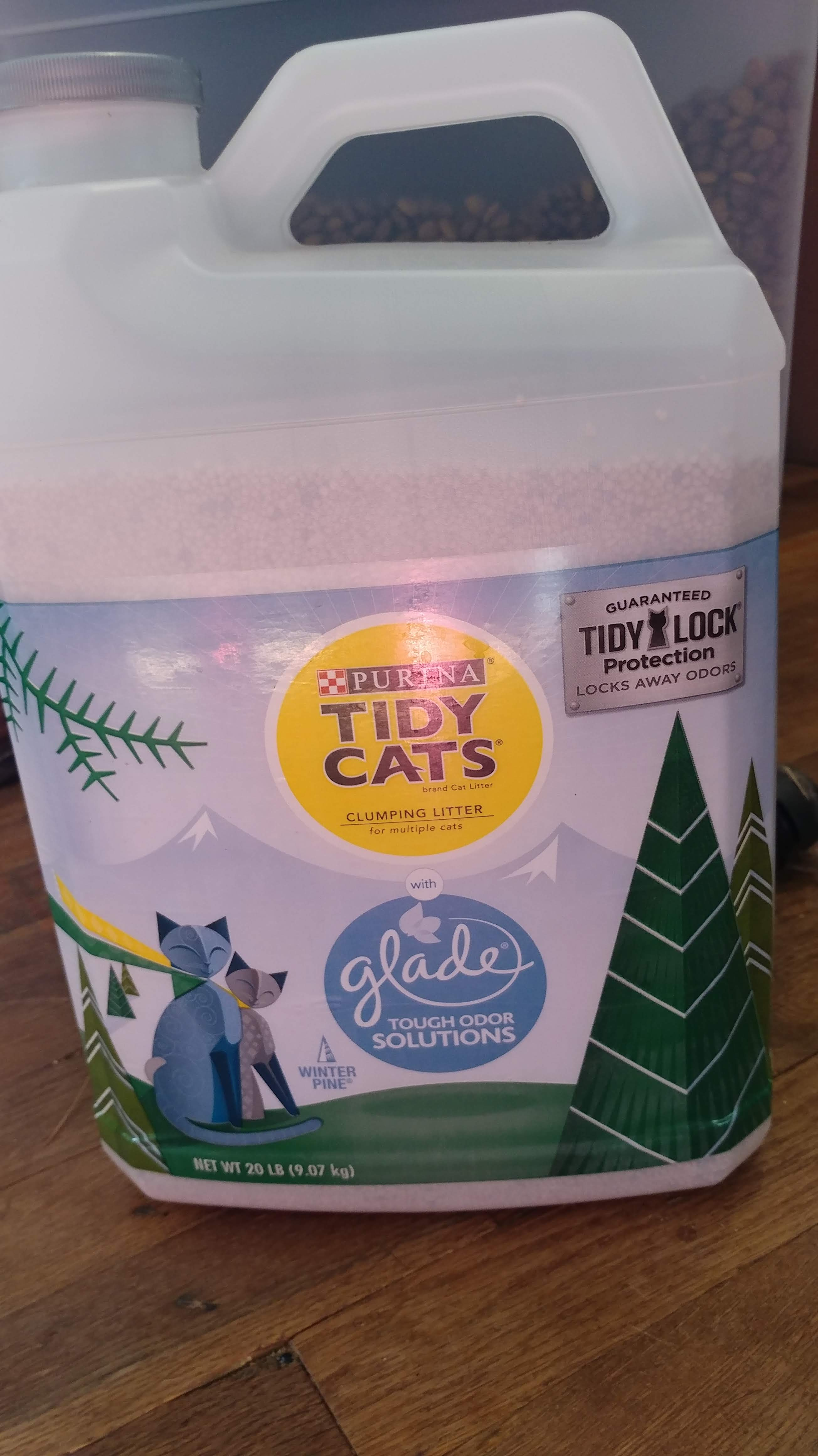 Tidy Cats with Glad Tough Odor Solutions (Winter Pine)