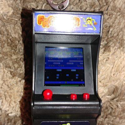 Tiny Arcade- Frogger