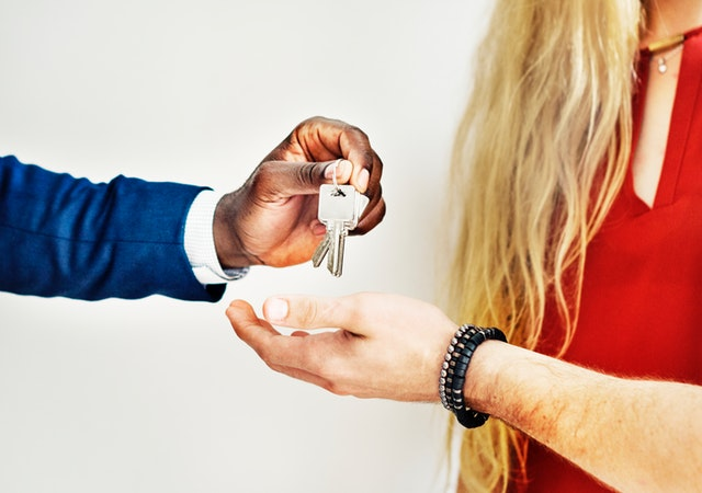 Avoid These 6 Mistakes When Buying Your First House