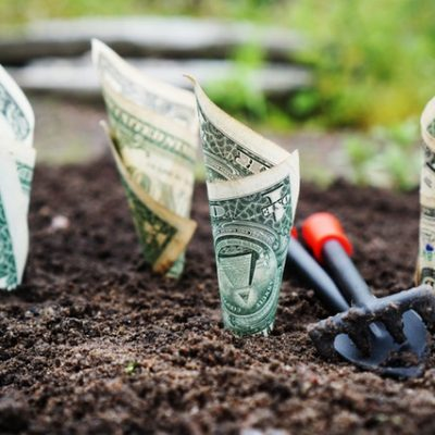 Roseland Associates Teaches Tips to Save Money in Your 30's