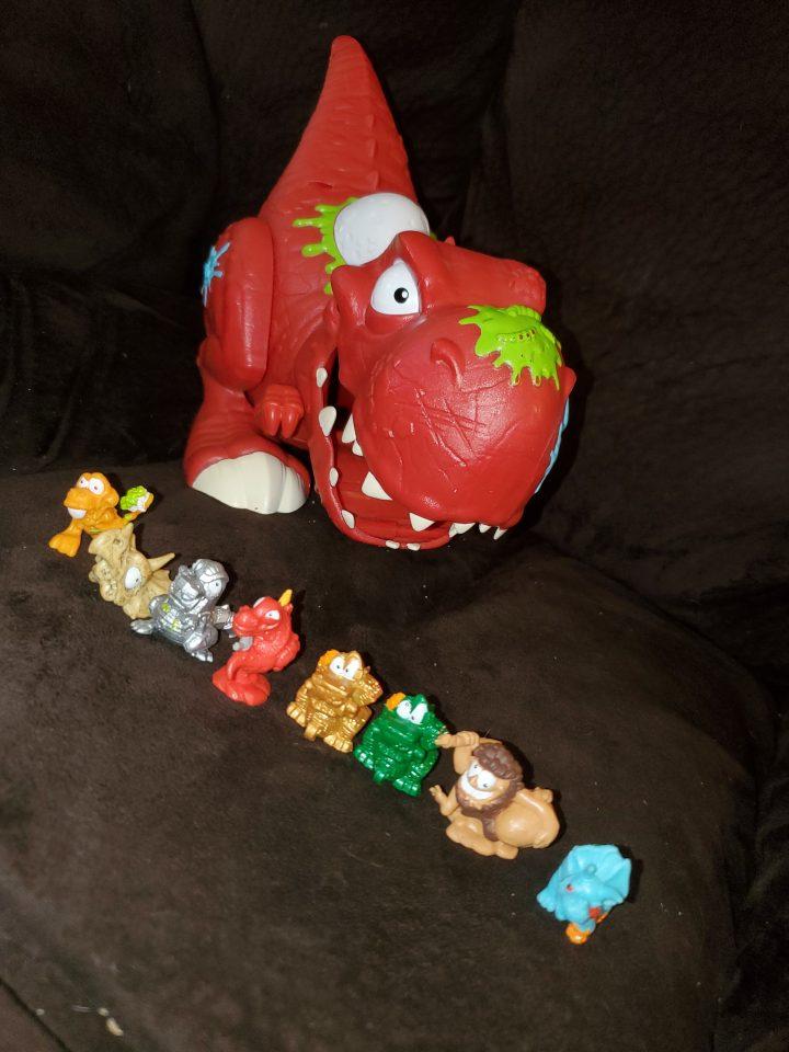 Dino Smashers by Zuru