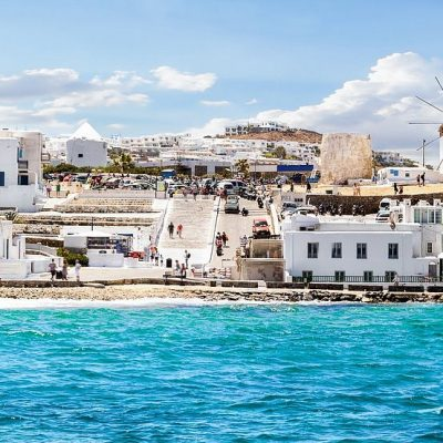 4  Reasons to Stay in a Luxury Villa in Mykonos